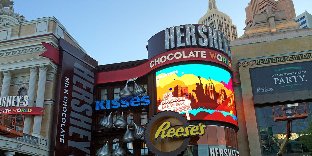 hersheys-chocolate-world-front